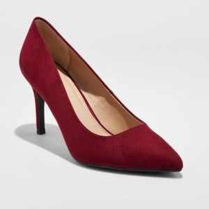 Coming!! Women's pointed toe heels